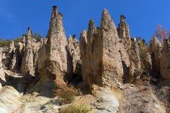 Autumn Landscape della città del ` s del diavolo di formazione rocciosa in montagna di Radan, Serbia immagini stock