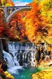 Autumn Landscape El barranco famoso de la garganta de Vintgar cerca sangró, Triglav, Eslovenia, Europa Foto de archivo libre de regalías