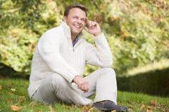 autumn landscape man outside sitting στοκ φωτογραφία με δικαίωμα ελεύθερης χρήσης