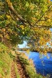 Autumn Landscape och flod Dee i Aberdeen Arkivfoto
