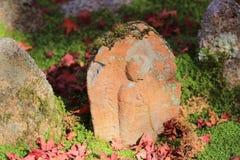 Autumn Leaves Of Adashino Nenbutsu-ji of Buddha statue Stock Images