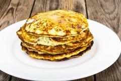 Autumn Meal Pancakes rustique de courgette Régimes végétariens images libres de droits