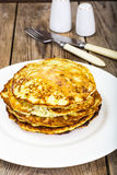 Autumn Meal Pancakes rustique de courgette Régimes végétariens images stock