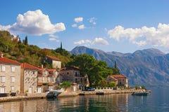 Autumn Mediterranean-Landschaft Montenegro, Ansicht der Bucht von Stadt Kotor und Perast Lizenzfreies Stockfoto