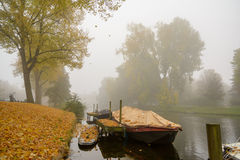Autumn Mist. Foggy conditions in the canals of leiden, the Netherlands Royalty Free Stock Images