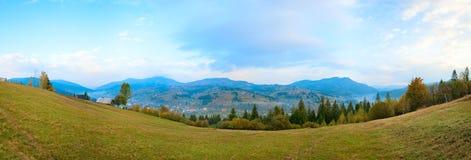 Autumn mountain village Royalty Free Stock Photography