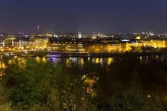 Autumn Night Prague City avec avec ses bâtiments, tours, cathédrales et ponts, République Tchèque photos libres de droits