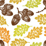 Autumn oak leaves and acorns pattern Royalty Free Stock Photography