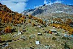 Autumn Panorama delle alpi svizzere, cantone del Valais, Svizzera Fotografia Stock Libera da Diritti