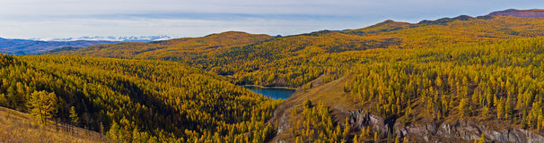 Autumn panorama in mountains Royalty Free Stock Photography