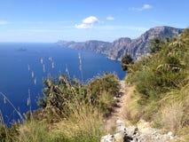 Autumn Path per gli amanti di trekking sopra Positano, Italia Fotografia Stock