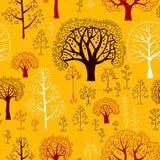 Autumn Pattern avec des silhouettes des arbres Images stock