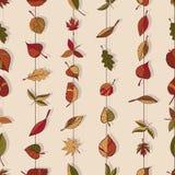 Autumn Pattern Modelo de las hojas de otoño Hojas rojas, amarillas y verdes de los árboles forestales Textura inconsútil Uso como Imágenes de archivo libres de regalías