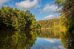 Autumn pond in the park  Royalty Free Stock Photos
