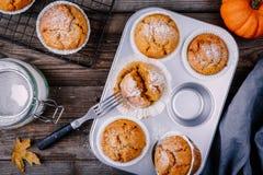 Autumn Pumpkin Muffins fait maison images libres de droits