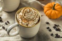 Autumn Pumpkin Spice Latte Coffee dolce fotografie stock