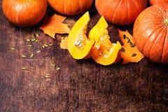 Autumn Pumpkin Thanksgiving Background - potirons oranges avec du Cu Photos libres de droits