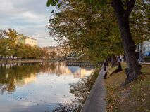 Free Autumn Quiet Evening On Chistye Prudy In Moscow. Urban Life Concept Royalty Free Stock Photography - 199868317