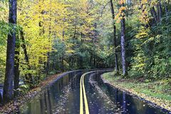 An autumn road in Great Smoky Mountains, Tennessee, USA stock photography