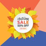 Autumn Sale Fashionable Banner Template avec l'automne coloré part sur le fond à la mode lumineux Photographie stock libre de droits