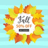 Autumn Sale Fashionable Banner Template con la caduta variopinta va su fondo blu d'avanguardia luminoso Fotografia Stock