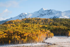 Autumn Scenery i Rocky Mountains av Colorado Fotografering för Bildbyråer