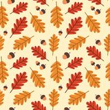 Autumn Seamless Pattern Background Yellow-Eiche verlässt Verzierungs-Herbstsaison Stockbild