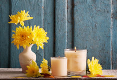 Autumn setting with candles Royalty Free Stock Images
