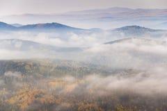 Autumn In South Ural-bergen stock foto