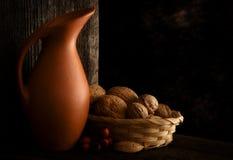 Autumn Still Life con la brocca Immagine Stock Libera da Diritti