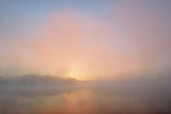 Autumn Sunrise Whitford Lake fotografering för bildbyråer
