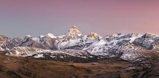 Autumn Sunset Landscape nel parco nazionale di Banff immagini stock