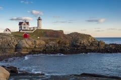 Autumn Sunset och Maine Lighthouse Royaltyfria Foton