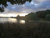 Autumn Sunset på den Pitsford behållaren Royaltyfri Fotografi