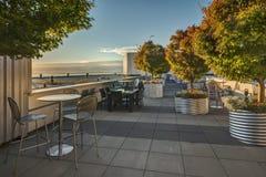 Autumn Sunset sur le patio de dessus de toit Photographie stock