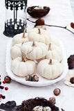 Autumn Table Setting bianco Immagini Stock Libere da Diritti