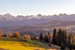 Autumn Tatra bergsolnedgång Royaltyfria Bilder