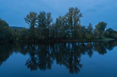 Autumn Trees Reflecting Imagens de Stock Royalty Free