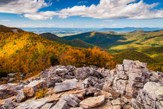 Autumn view of the Shenandoah Valley and Blue Ridge Mountains fr. Om the boulder-covered summit of Blackrock, in Shenandoah National Park, VA Royalty Free Stock Image