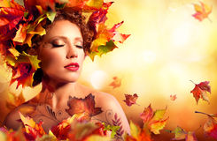 Autumn Woman Portrait - Beauty Fashion Model Girl Royalty Free Stock Image