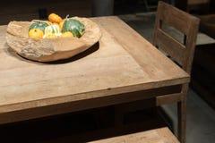 Autumn Wooden Bowl photographie stock libre de droits
