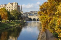 Autumnal View of Pulteney Weir and Bridge in Bath, Engalnd royalty free stock photography