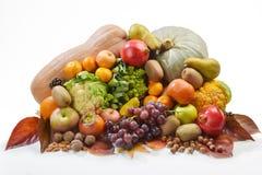 Autunnale di Frutta e verdura di stagione Fotografie Stock Libere da Diritti