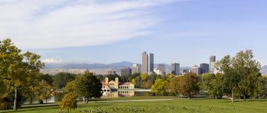 Autunno 2010 dell'orizzonte di Denver, Colorado immagine stock