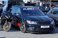 Autunno che corre automobile modificata che va alla deriva in Norvegia Fotografie Stock