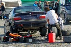 Autunno che corre automobile modificata che va alla deriva in Norvegia Fotografie Stock Libere da Diritti