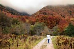 Autunno che fa un'escursione in Bulgaria fotografia stock libera da diritti