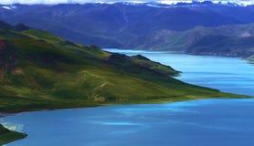 Autunno del lago Yamdrok fotografie stock libere da diritti