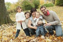 Autunno della famiglia Fotografia Stock Libera da Diritti
