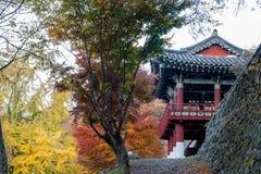 Autunno ed il tempio - Naejangsan Corea del Sud Fotografia Stock